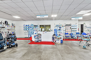 Bastide le Confort Médical Saint-Lô banque accueil intérieur magasin